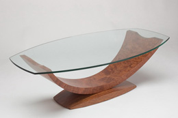 Skleneny konferencny stolik