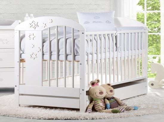 Biela postieľka pre bábätko