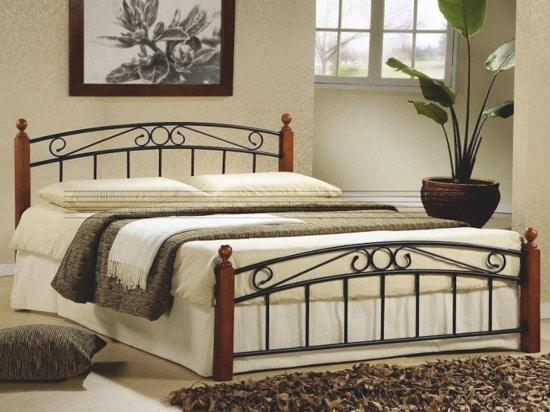 Kovová manželská posteľ