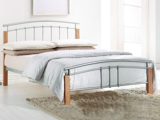 Lacná kovová posteľ