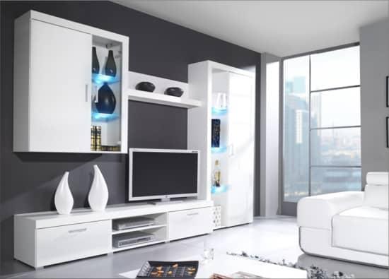 Veľká biela obývacia stena
