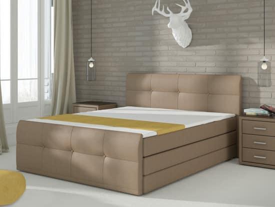Vysoká manželská posteľ