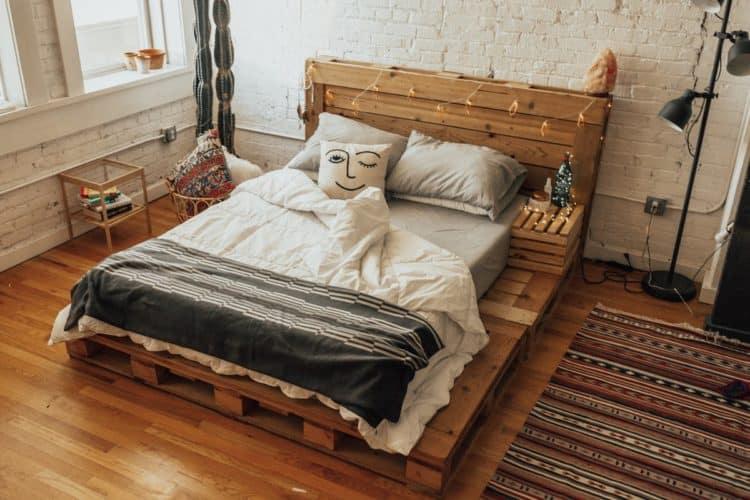 Manželská posteľ z paliet